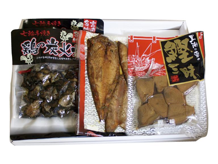 パッケージ内容: 鶏の炭火焼x2袋 + 鰹三昧x1袋 + かつお腹皮x1袋